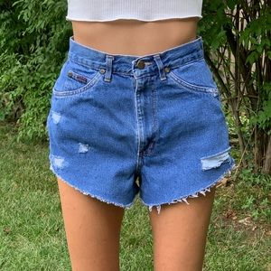 CHIC Vintage MOM JEAN Cut Off Shortie Shorts